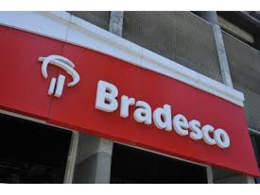 Sindicato denuncia sobrecarga de trabalho e pede  contratação de mais funcionários no Bradesco